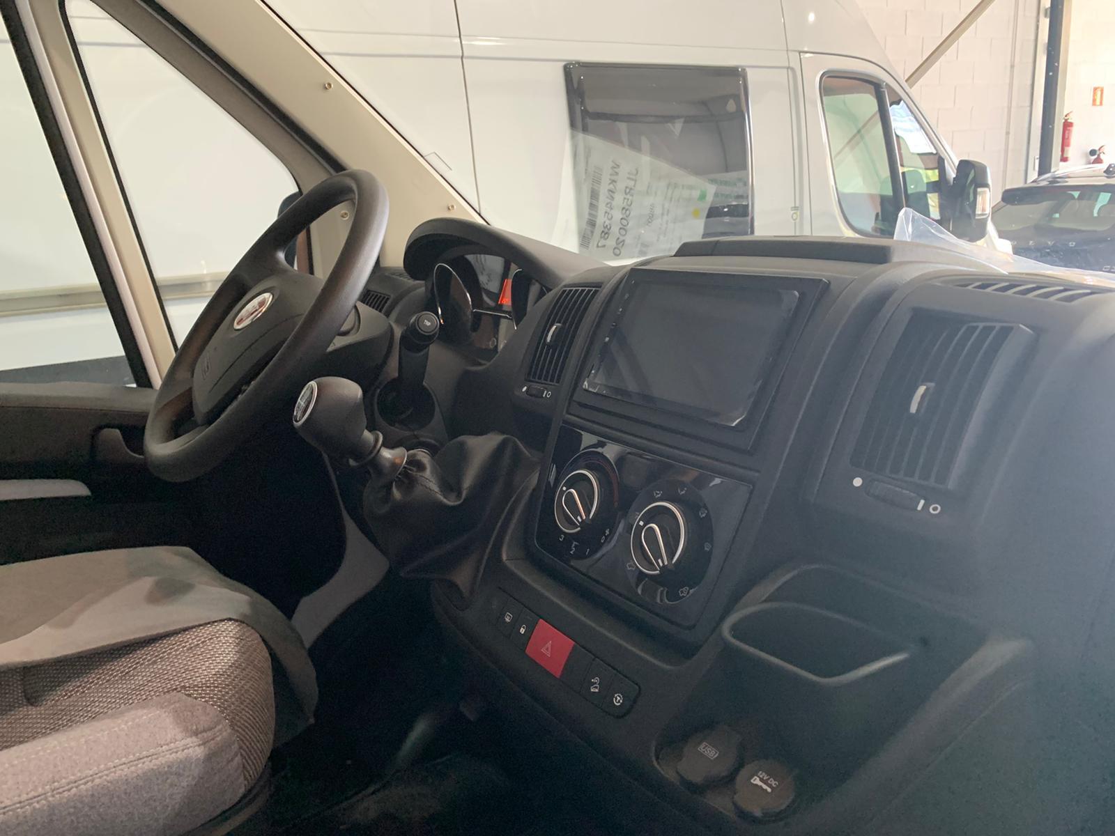 interior autocaravana sevilla