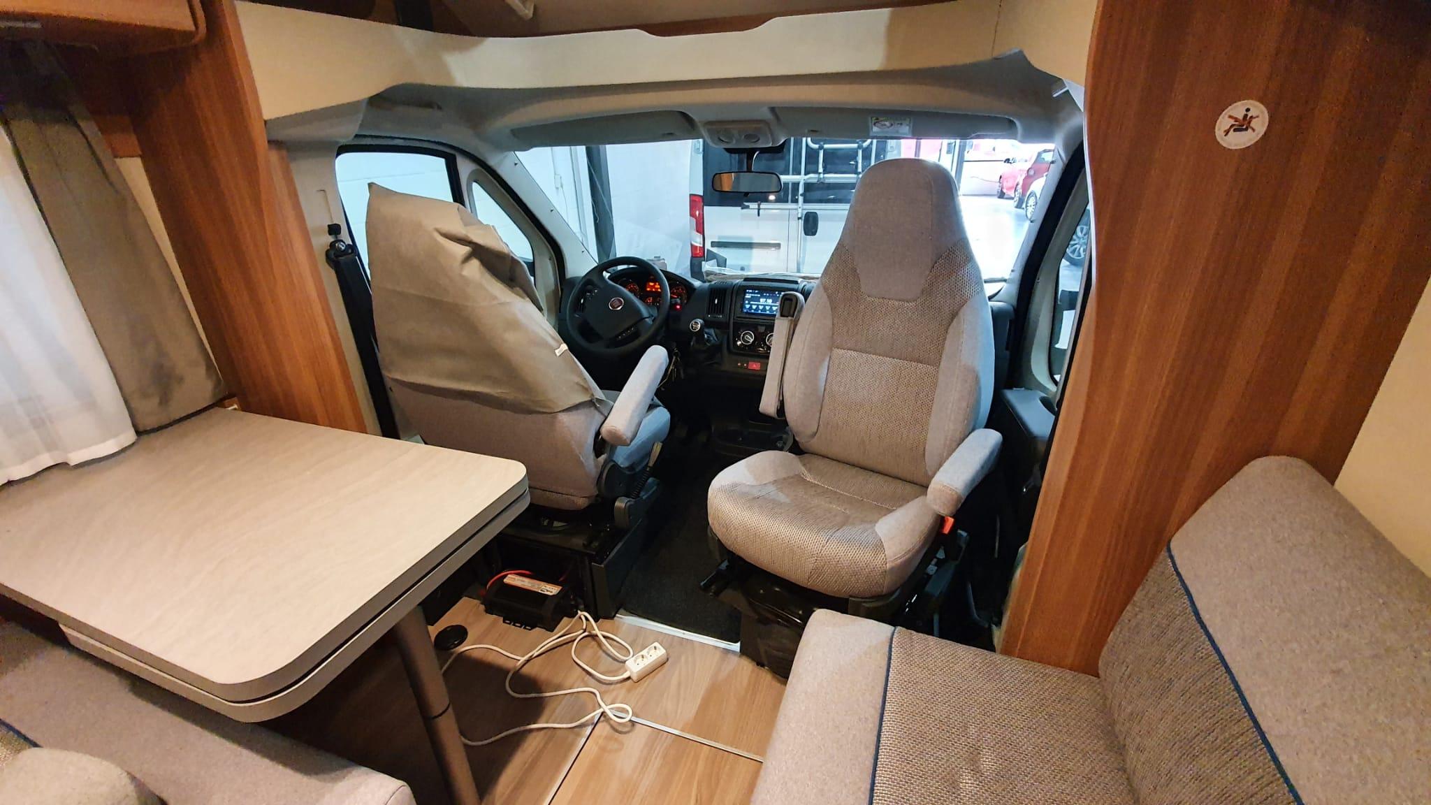 asientos delanteros autocaravana perfilada